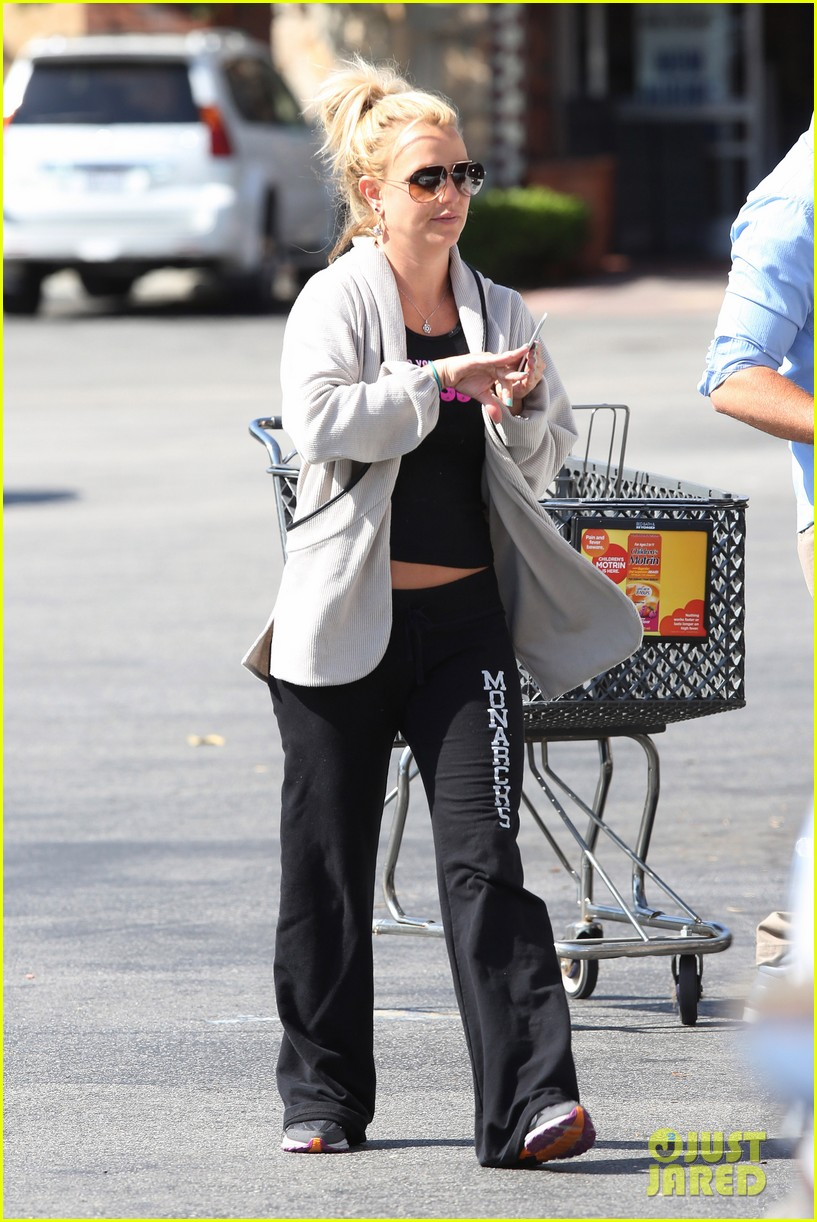 britney spears david lucado breakfast shopping duo 28