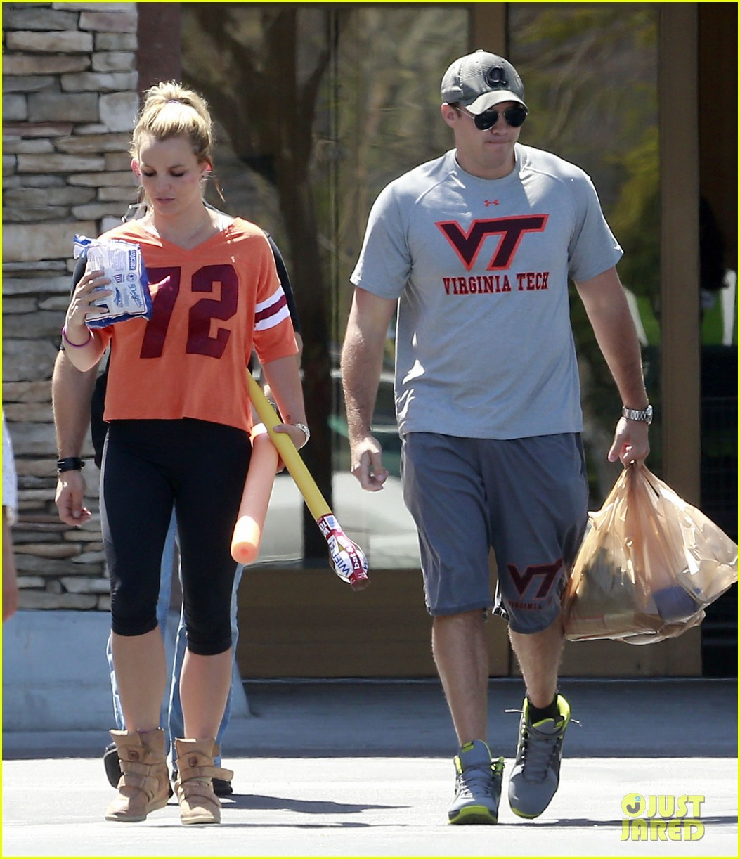 britney spears david lucado grocery shoppers 062847847