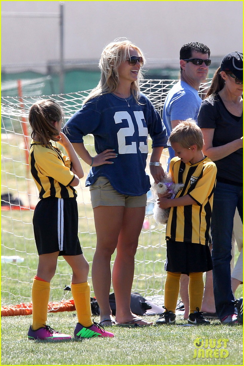 britney spears nails soccer sunday 14