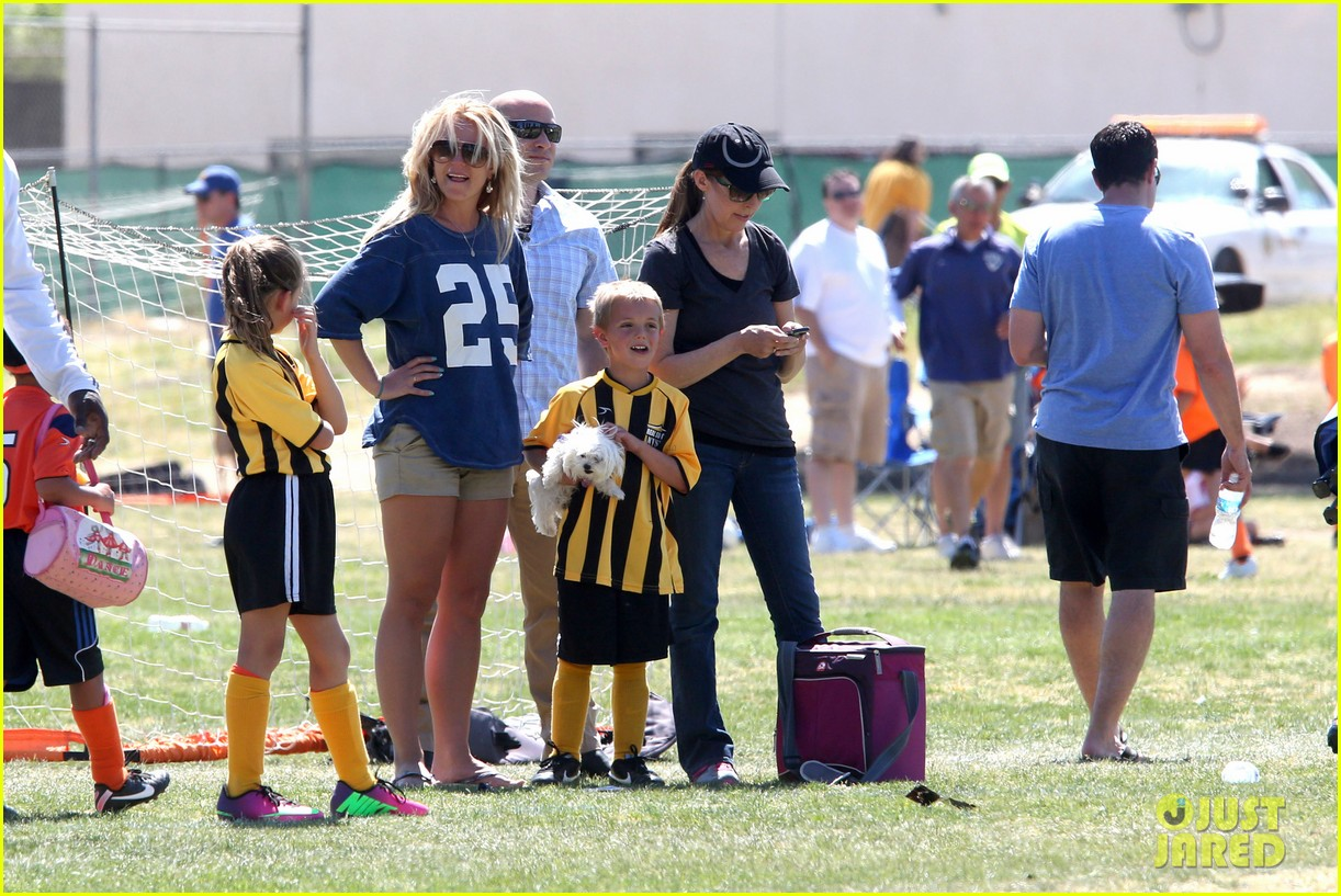 britney spears nails soccer sunday 20