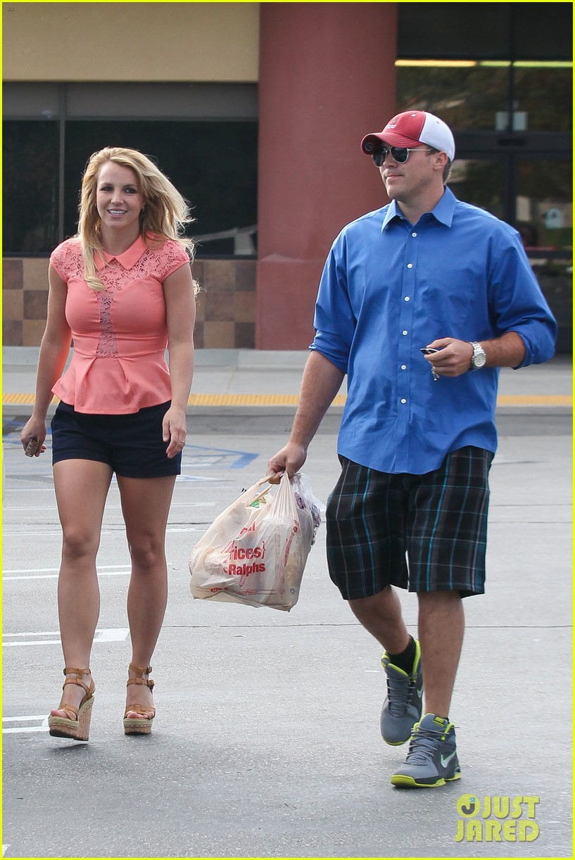 britney spears david lucado saturday ralphs run 012849512