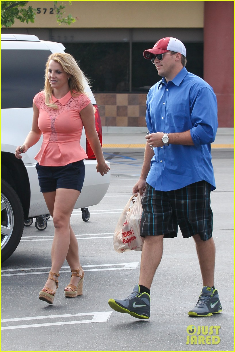 britney spears david lucado saturday ralphs run 032849514