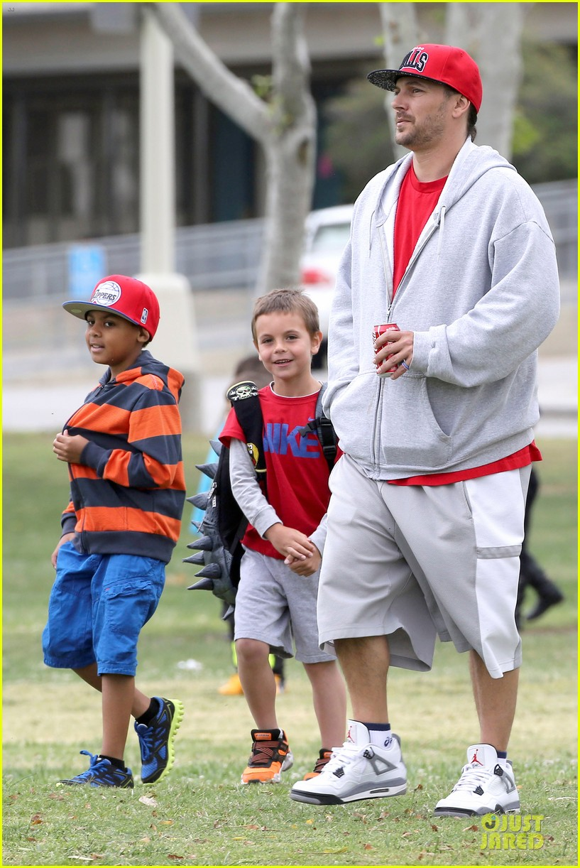britney spears kevin federline boys sunday soccer game 032849848