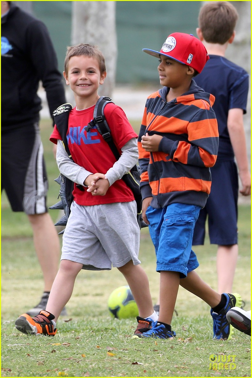 britney spears kevin federline boys sunday soccer game 072849852