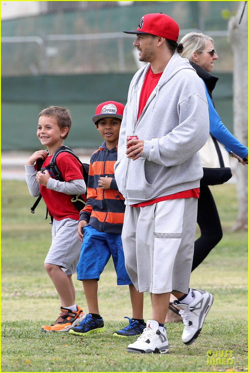 britney spears kevin federline boys sunday soccer game 232849868