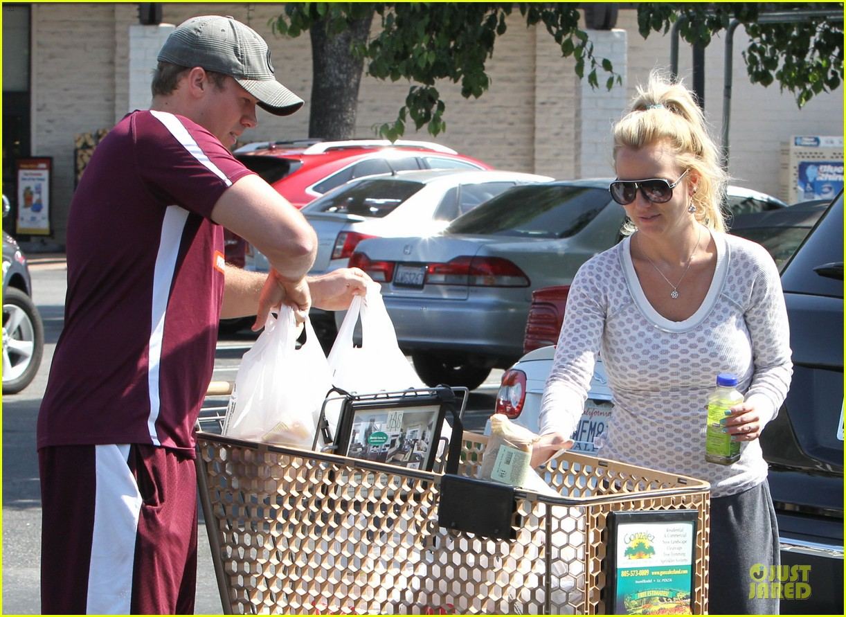 britney spears vons grocery shopping 042855914