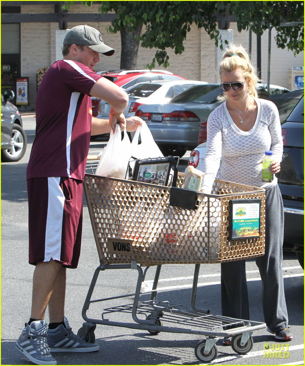 britney spears vons grocery shopping 052855915