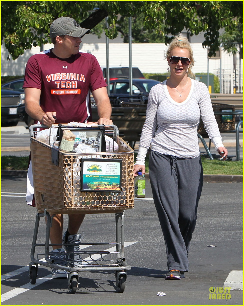 britney spears vons grocery shopping 132855923
