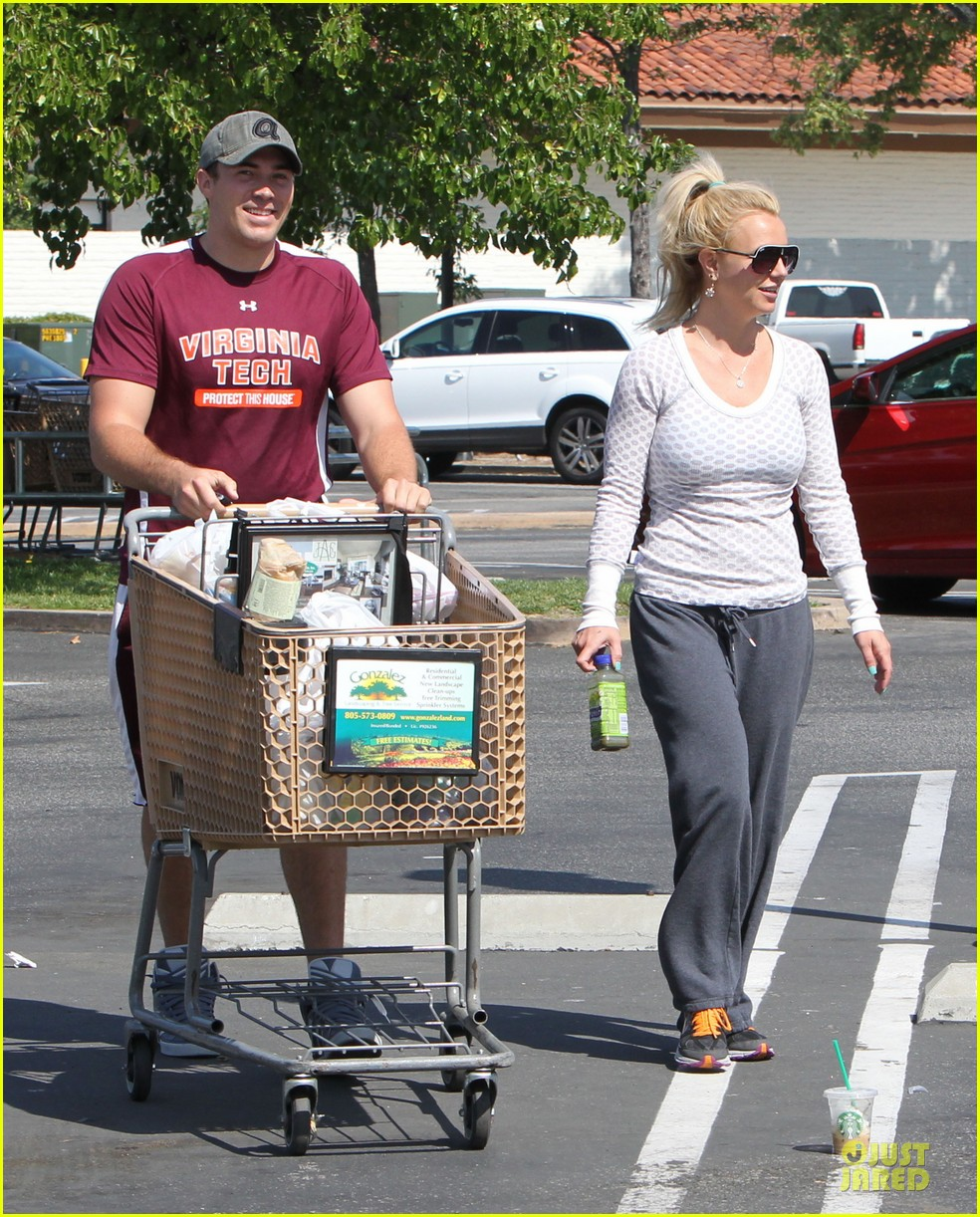 britney spears vons grocery shopping 162855926