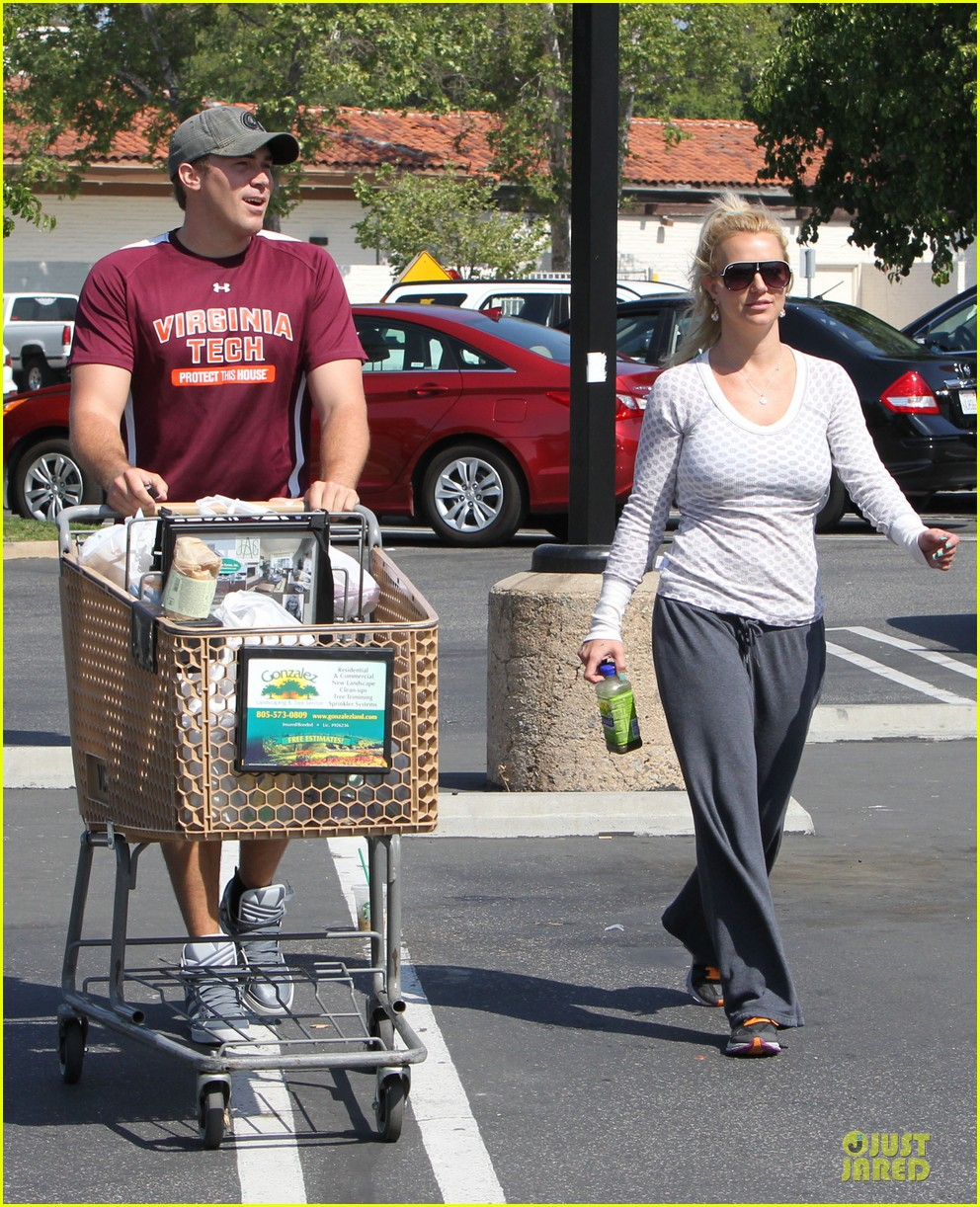 britney spears vons grocery shopping 182855928
