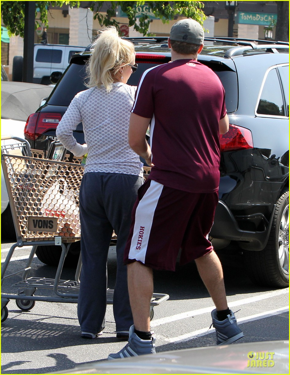 britney spears vons grocery shopping 232855933