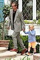 gwen stefani gavin rossdale easter sunday fun with the kids 14