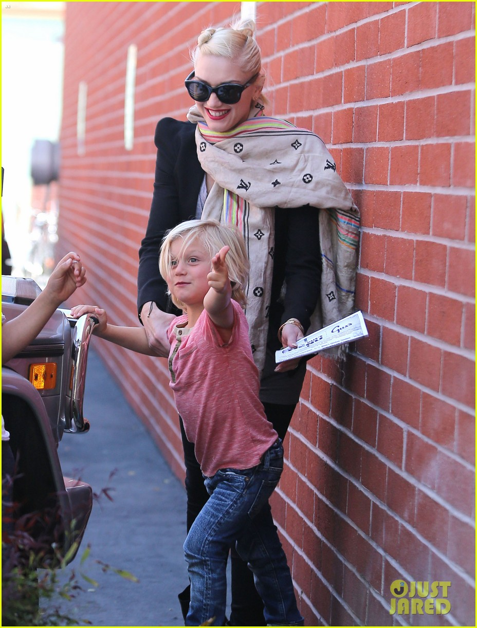 gwen stefani gavin rossdale family day at the park 062843638