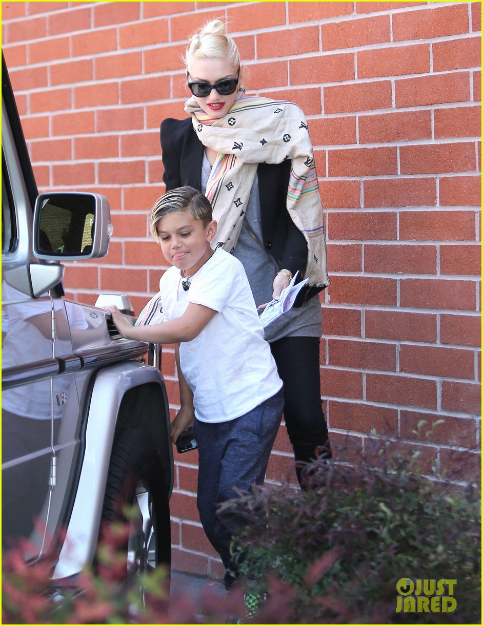 gwen stefani gavin rossdale family day at the park 072843639