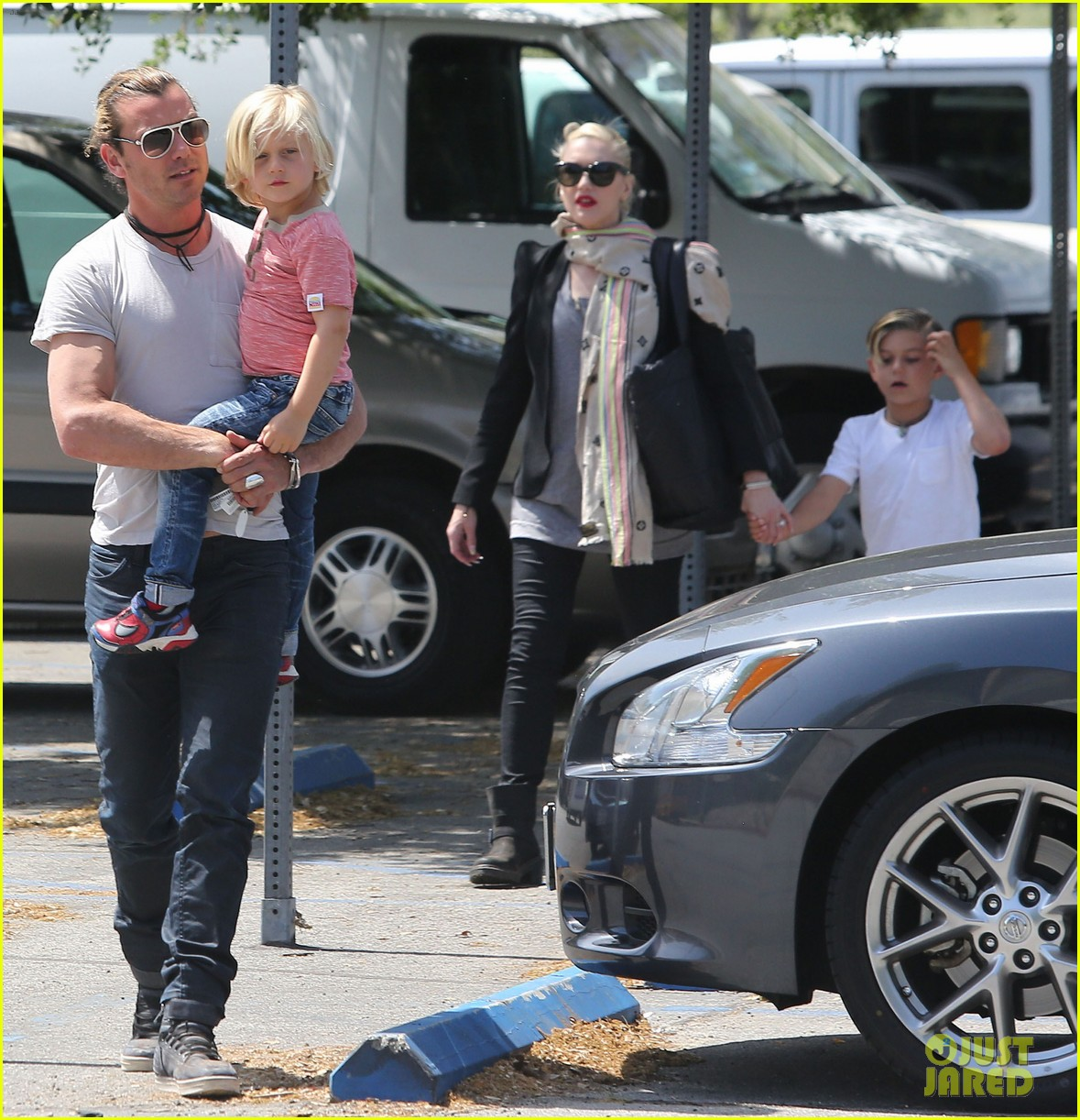 gwen stefani gavin rossdale family day at the park 082843640