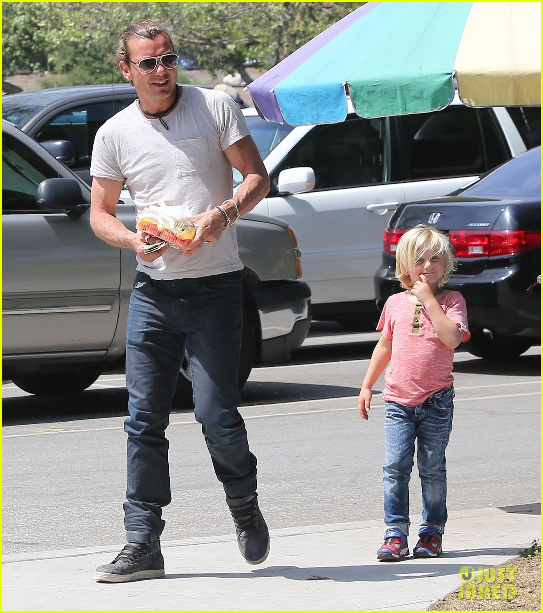 gwen stefani gavin rossdale family day at the park 092843641