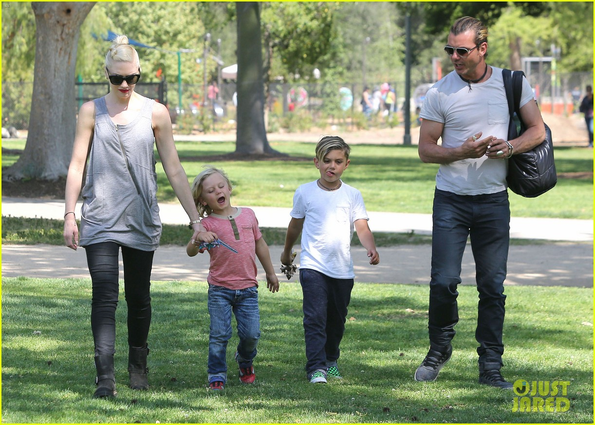 gwen stefani gavin rossdale family day at the park 162843648