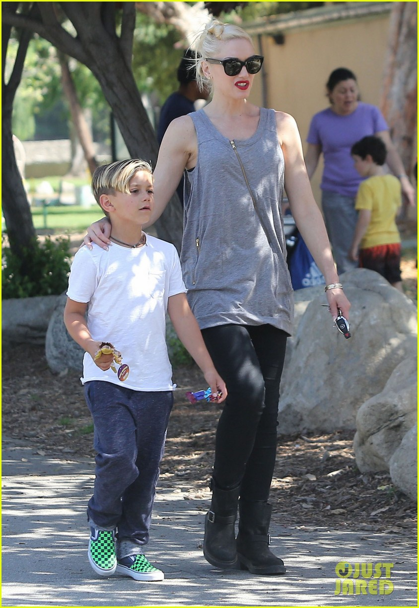 gwen stefani gavin rossdale family day at the park 172843649