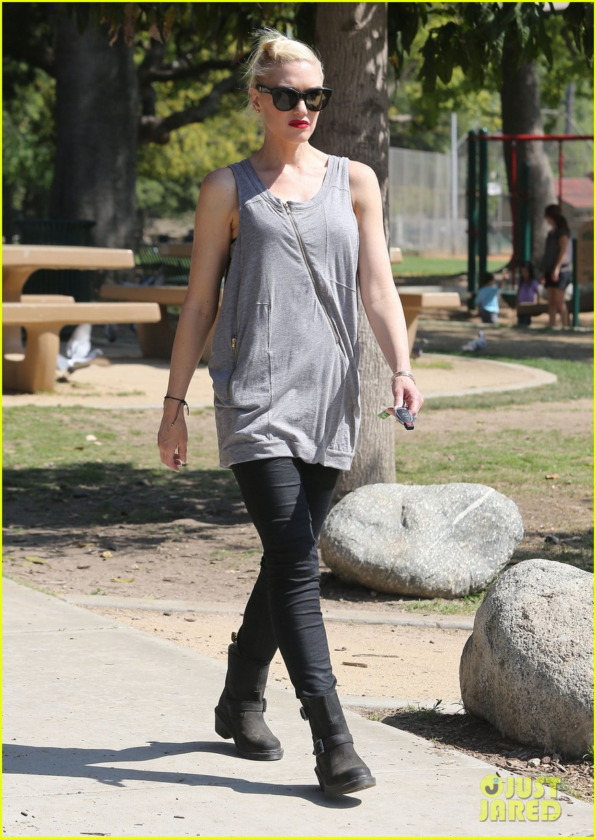 gwen stefani gavin rossdale family day at the park 182843650