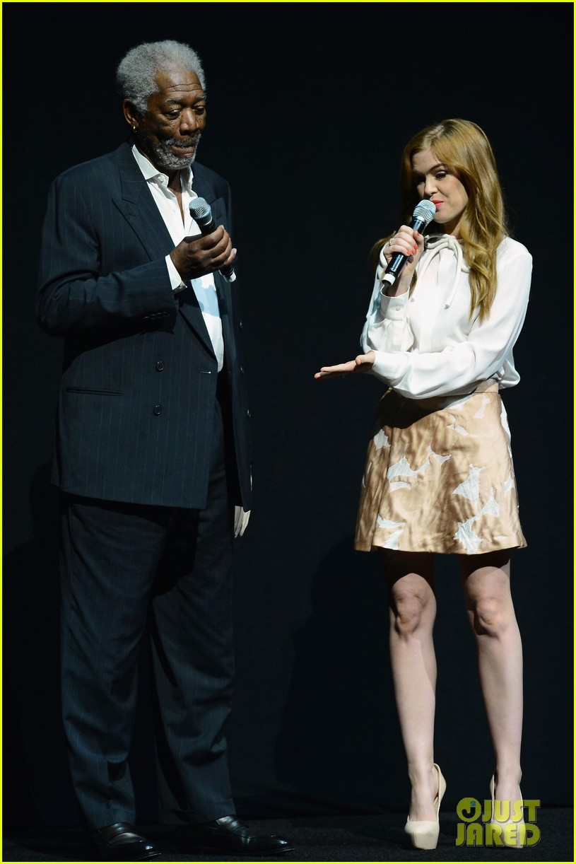 hailee steinfeld isla fisher cinemacon cuties 122853208