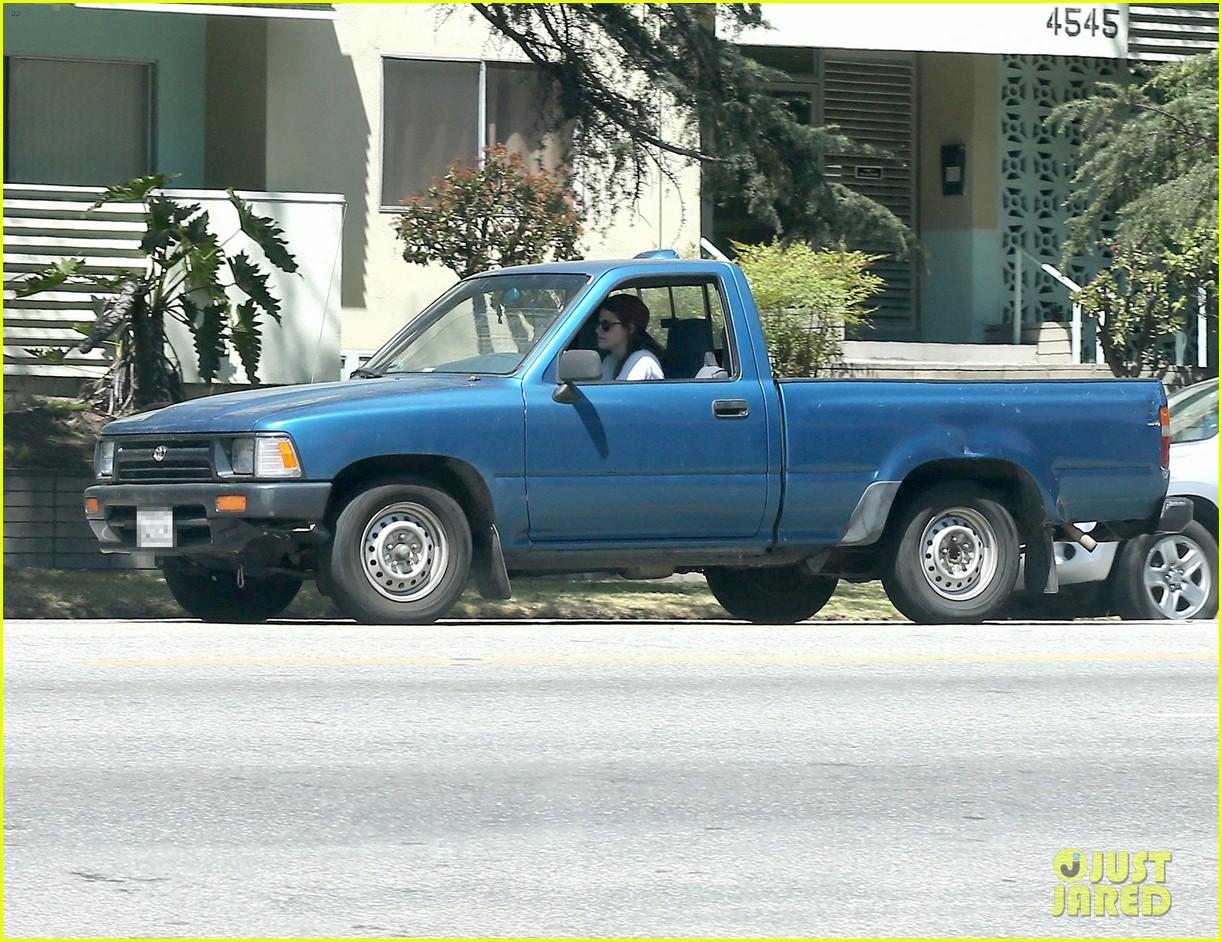 kristen stewart truck driver in los angeles 012854302