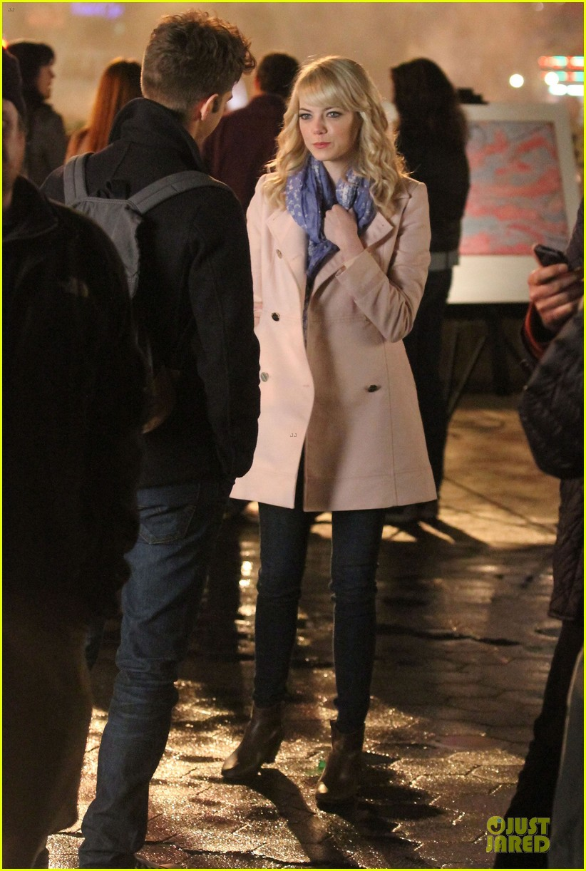 emma stone andrew garfield night scenes on amazing spiderman 2 set 162851763