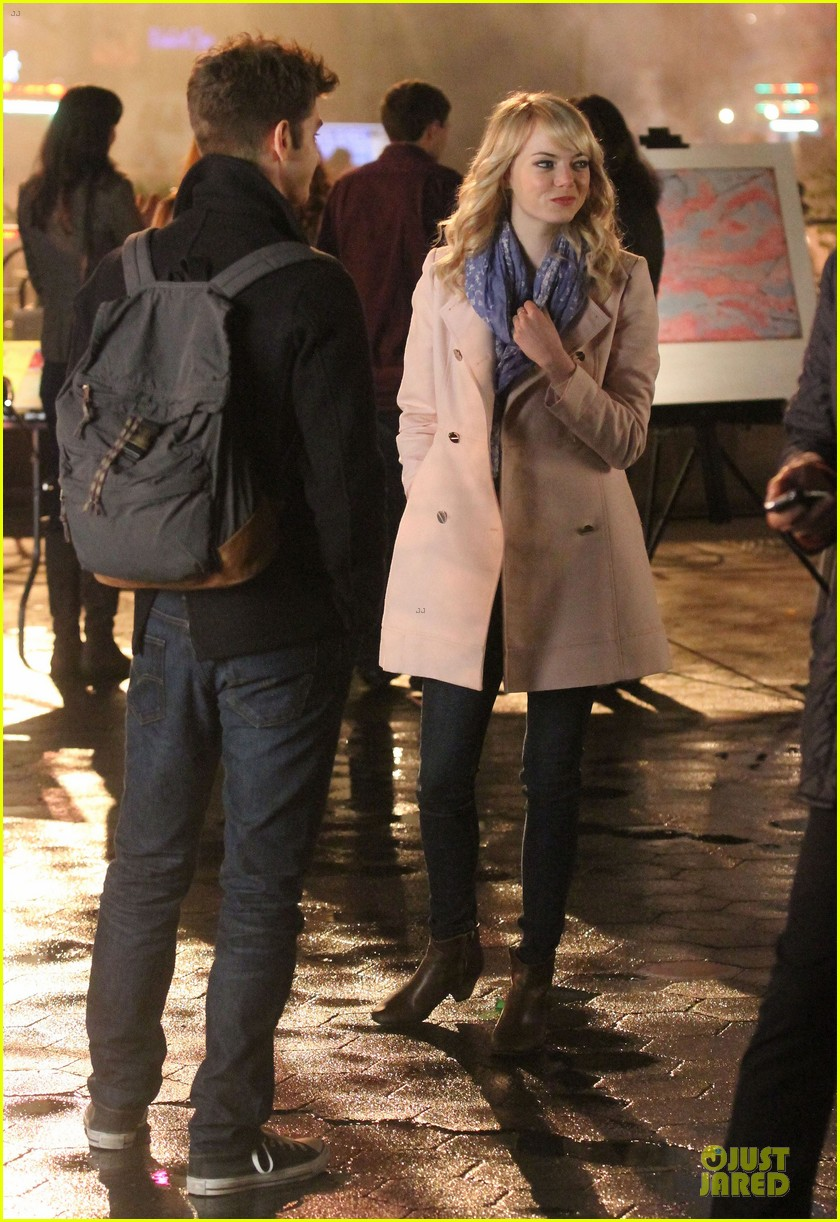 emma stone andrew garfield night scenes on amazing spiderman 2 set 182851765