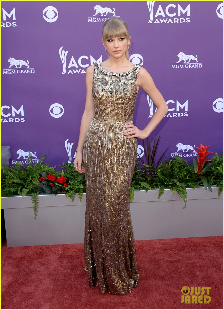 taylor swift acm awards 2013 red carpet 012845164
