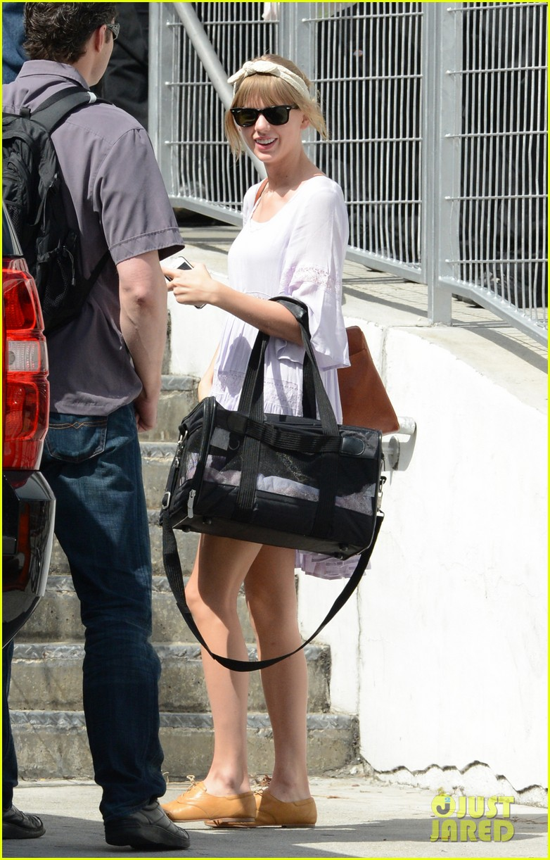 taylor swift miami arrival for red tour 162847134