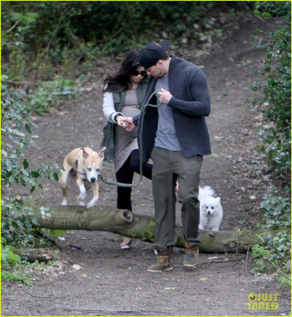 channing tatum pregnant jenna dewan london dog walk 082860573