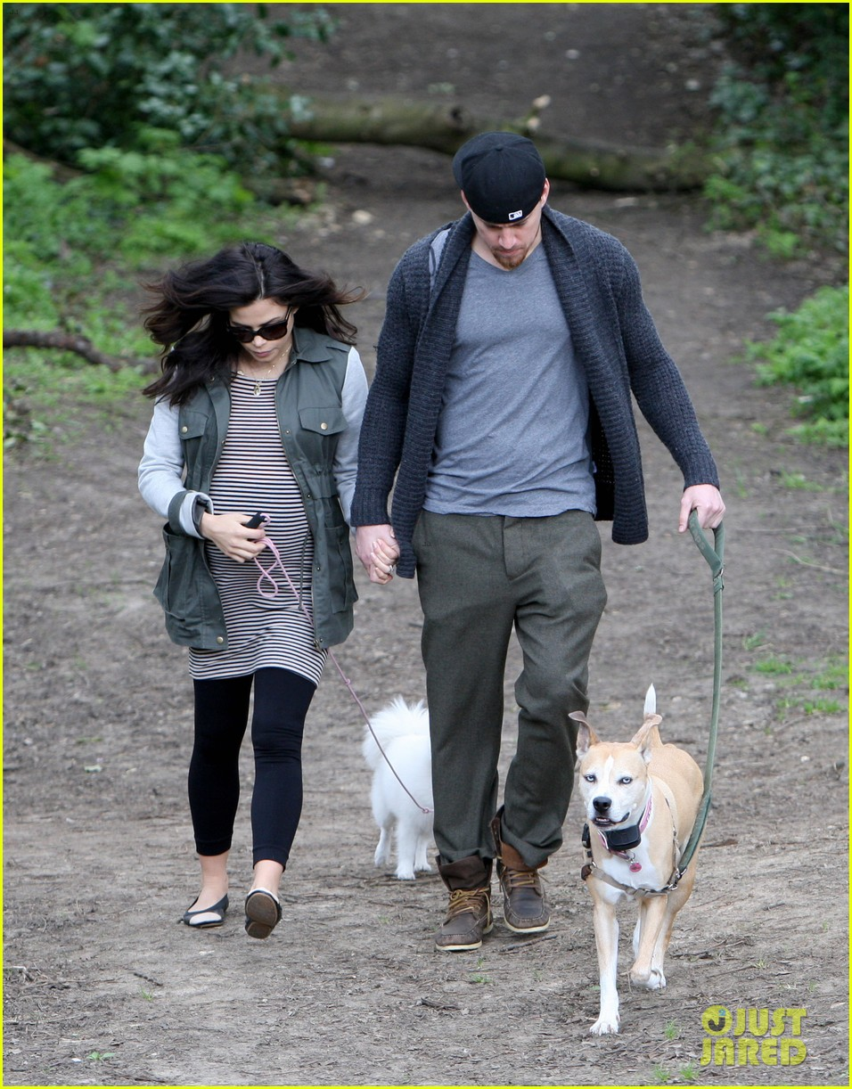 channing tatum pregnant jenna dewan london dog walk 11