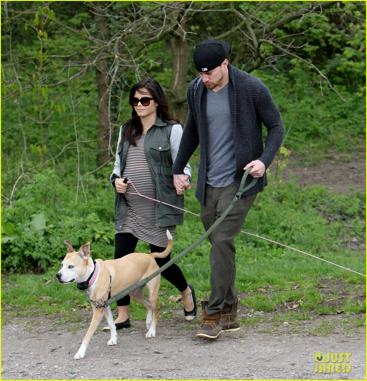 channing tatum pregnant jenna dewan london dog walk 132860578