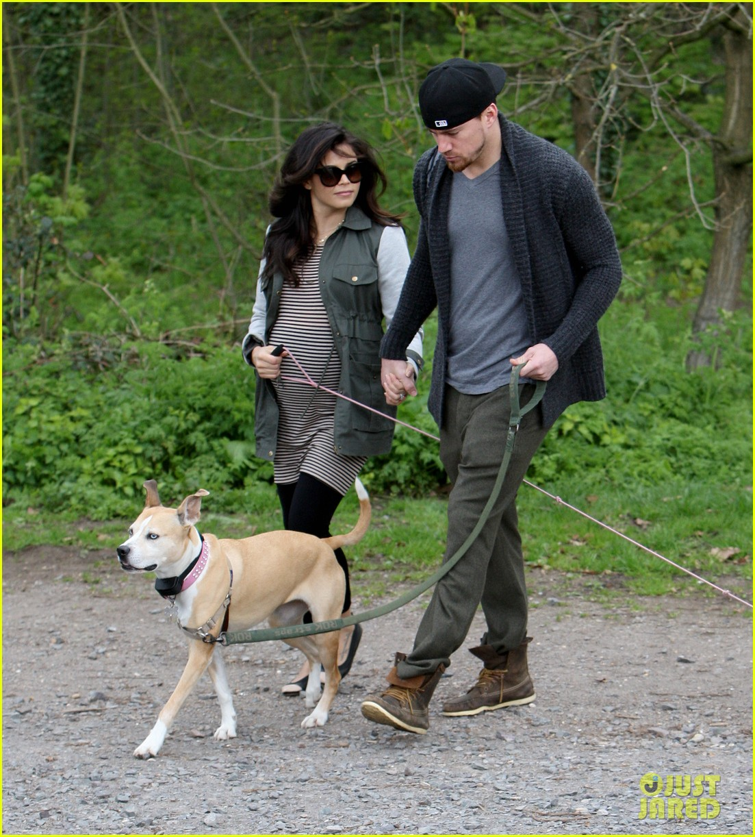 channing tatum pregnant jenna dewan london dog walk 152860580