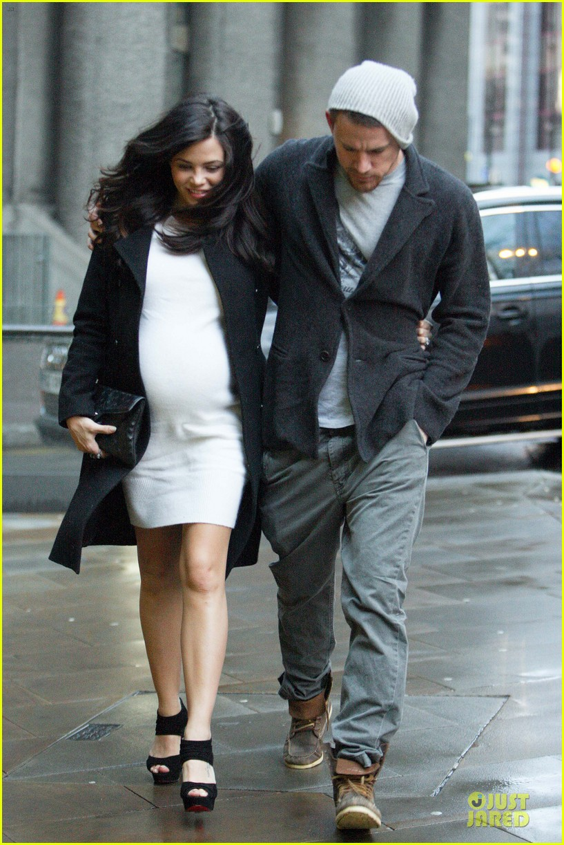 channing tatum pregnant jenna dewan white baby bump for dinner 01