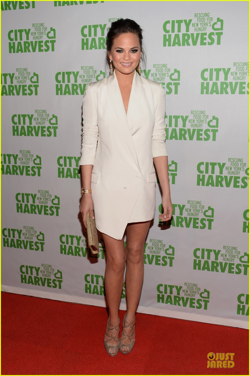 chrissy teigen john legend city harvest couple 012851630