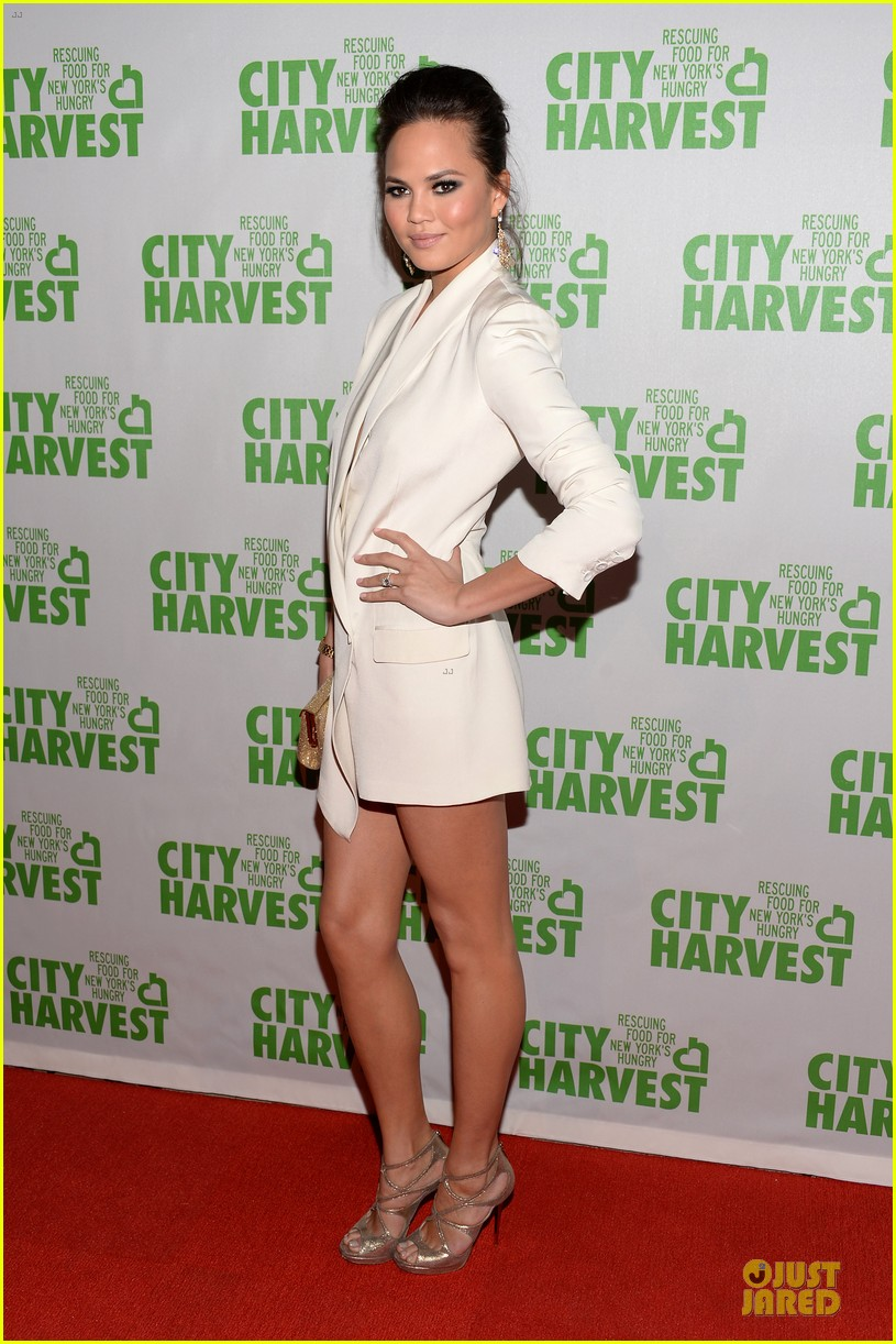 chrissy teigen john legend city harvest couple 05