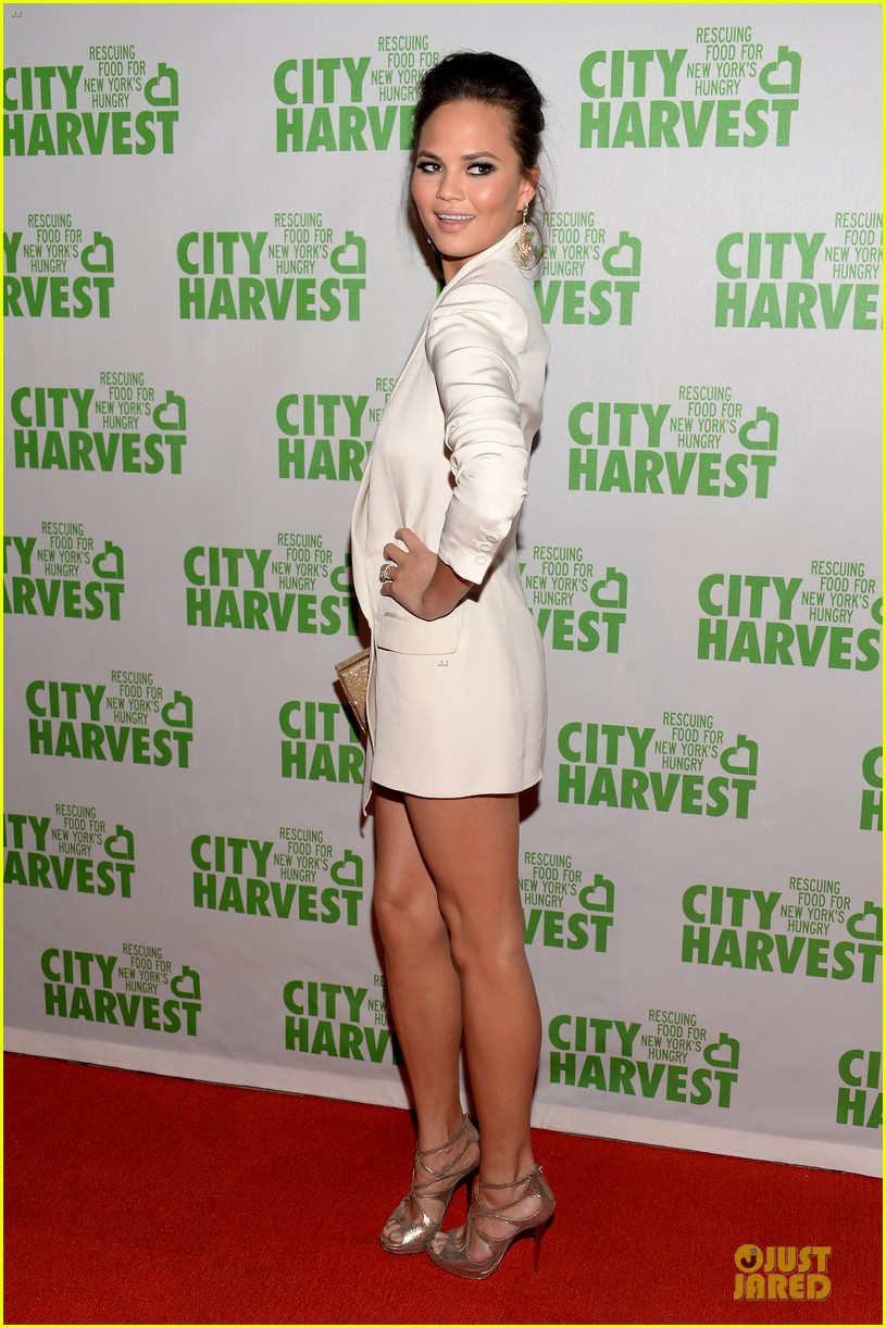 chrissy teigen john legend city harvest couple 062851635
