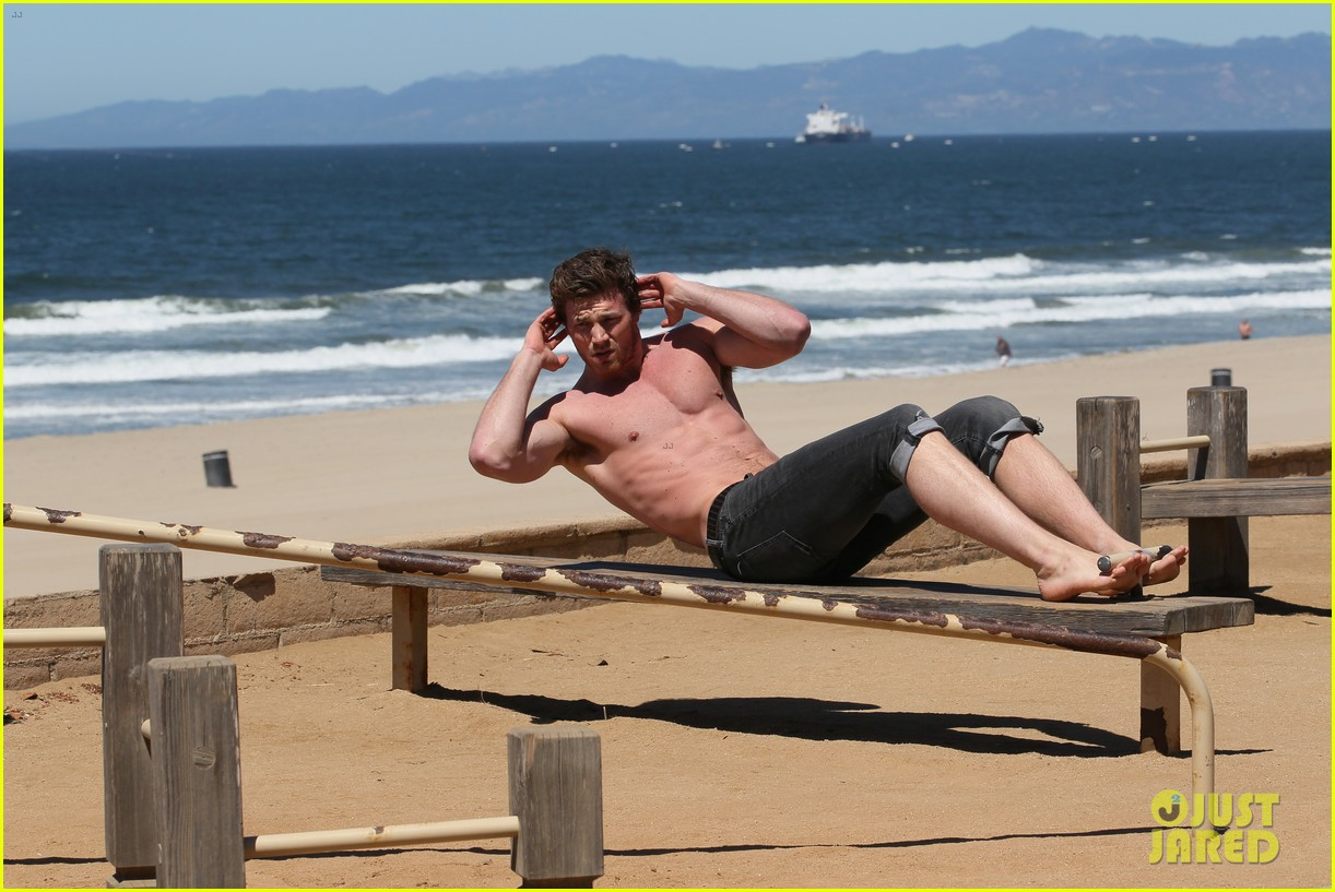 derek theler shirtless beach stud 032857354