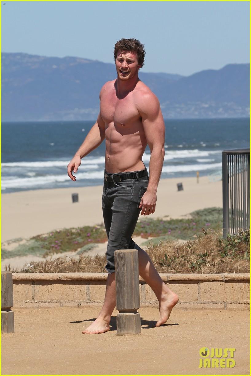 derek theler shirtless beach stud 052857356