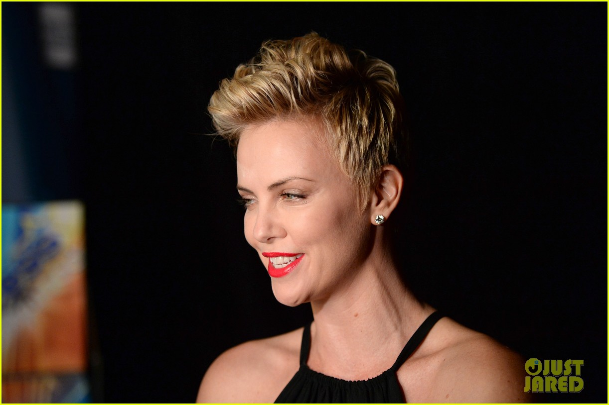 charlize theron glaad media awards 2013 red carpet 042854463
