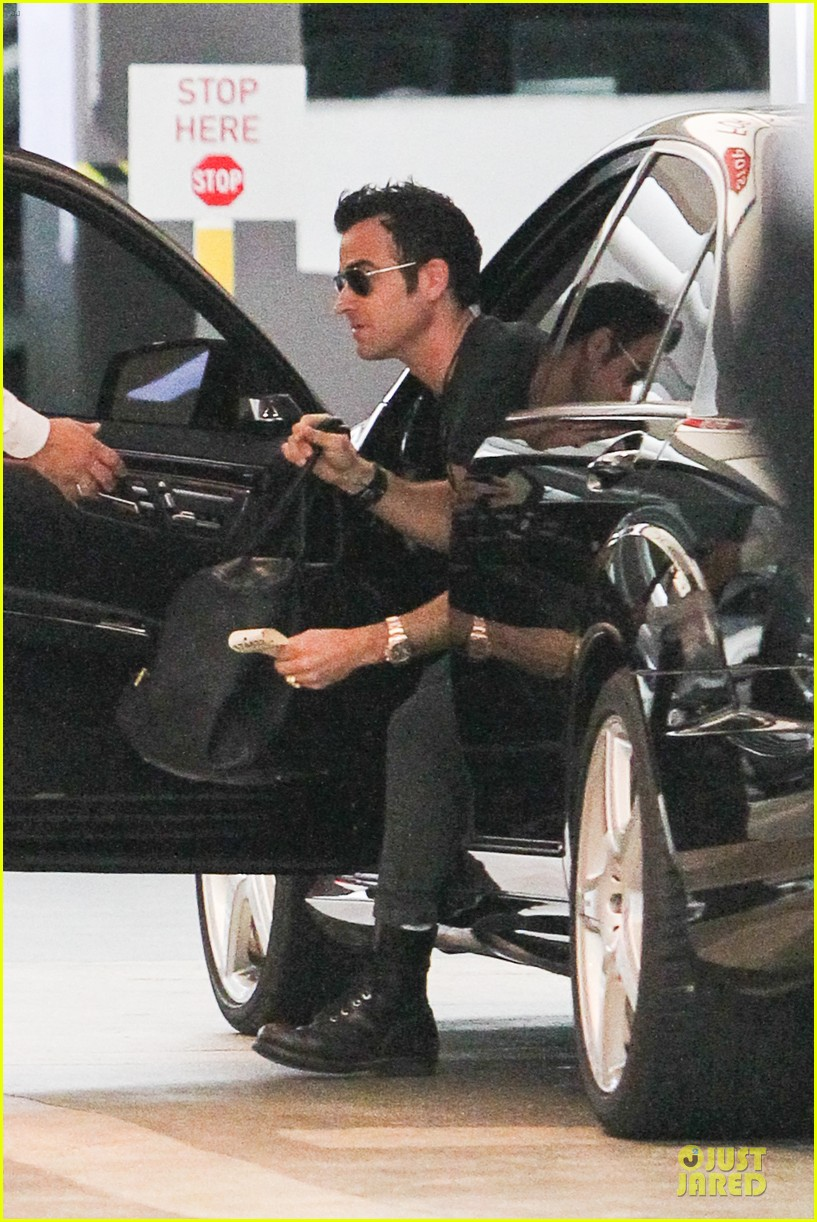 justin theroux jennifer aniston bel air home visit 022843867