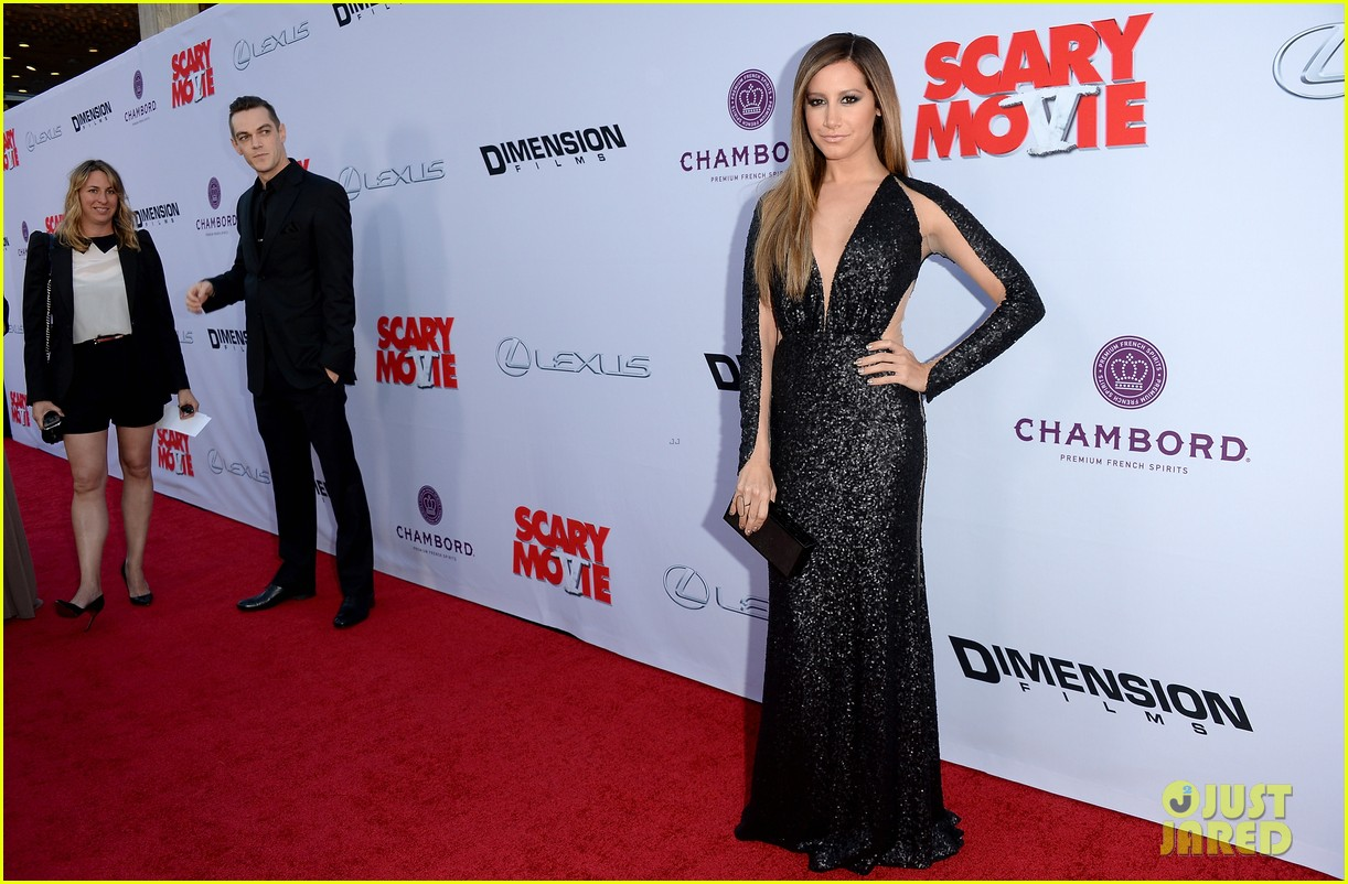 kate walsh ashley tisdale scary movie 5 premiere 18