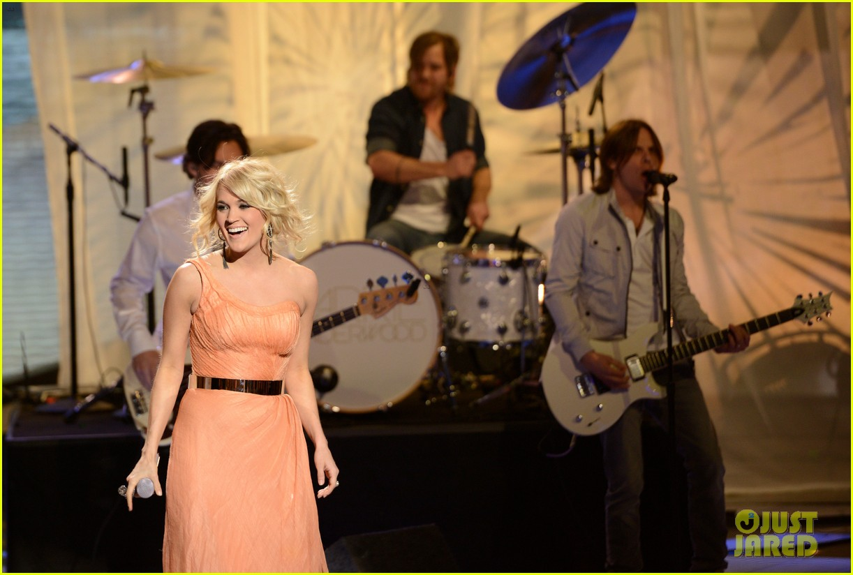 carrie underwood see you again on american idol 022843609
