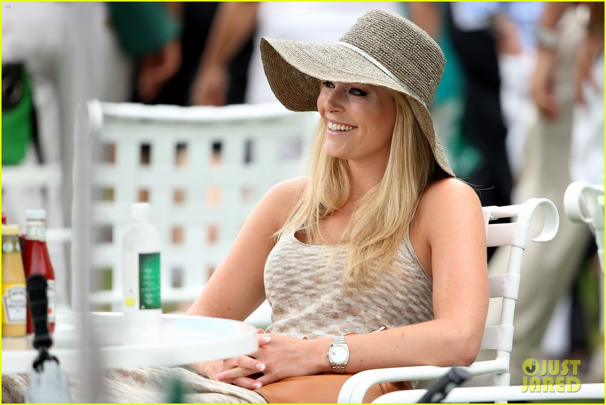 lindsey vonn cheers on tiger woods at masters tournament 08
