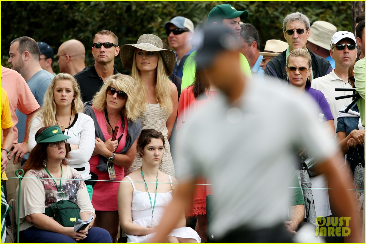 lindsey vonn cheers on tiger woods at masters tournament 162847892