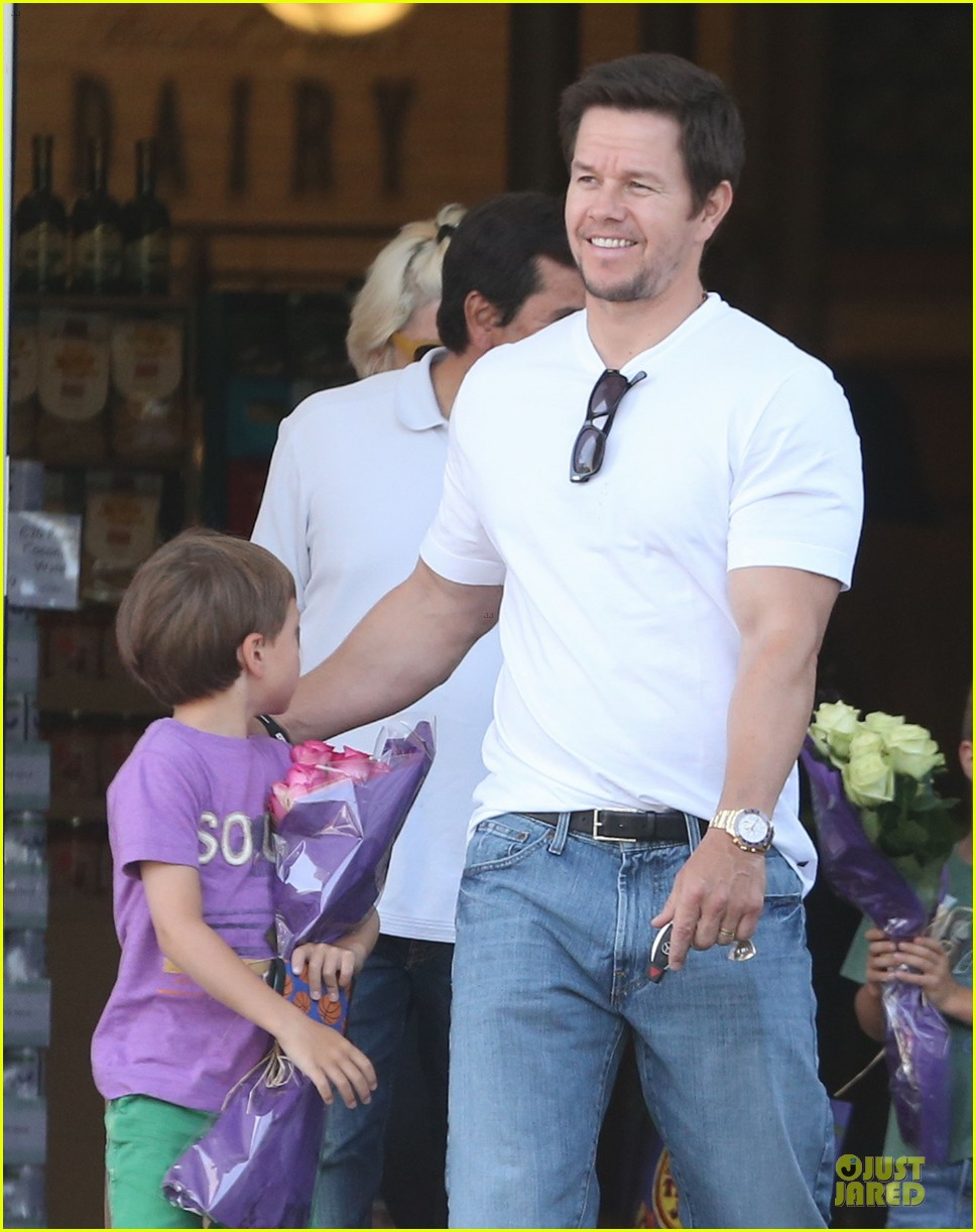mark wahlberg rhea durham pain gain hollywood premiere 042856205
