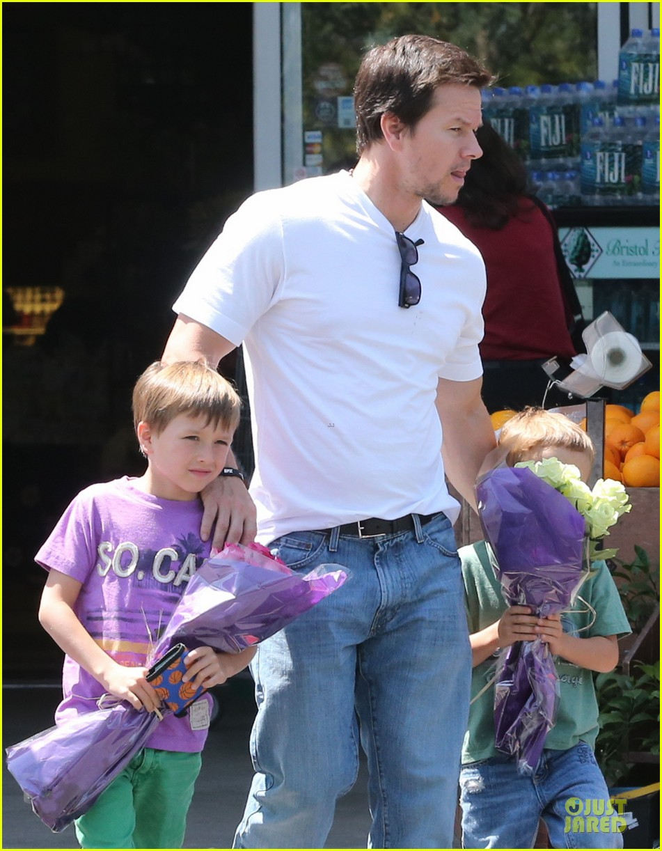 mark wahlberg rhea durham pain gain hollywood premiere 102856211