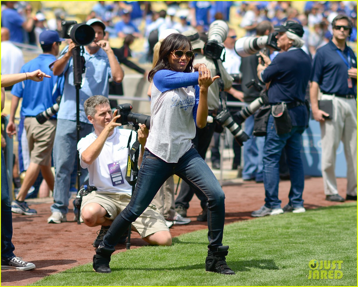 kerry washington los angeles dodgers announcer 042845341