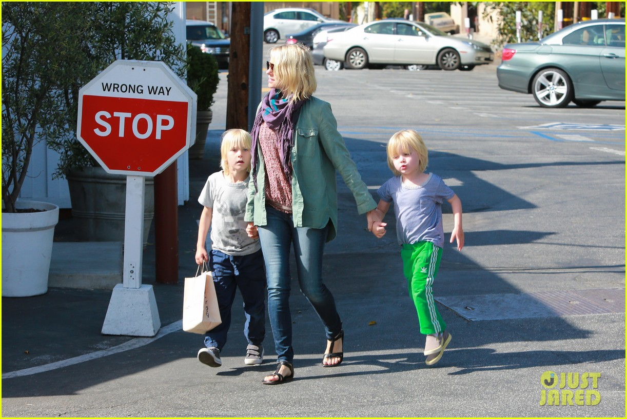naomi watts shopping with sasha samuel 11