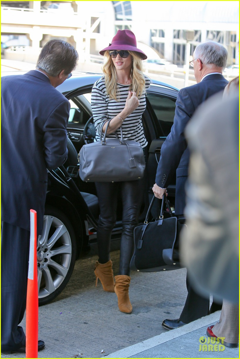 rosie huntington whiteley lax arrival after new orleans trip 07